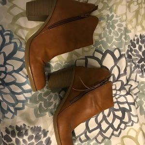 Shoes - Size 8.5 women's booties